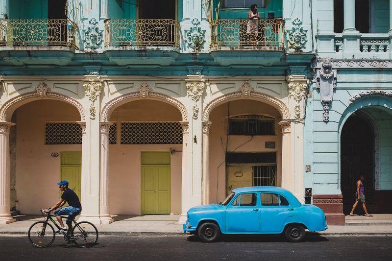 Three people, six wheels. Streetphotography Car Bicycle Balcony