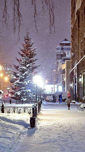 Вечерняя прогулка Winter Siberia Night Lights Street Streetphotography Novosibirsk Russia Light And Shadow