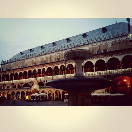 Padova Christmas Lights Atmosphere Waiting