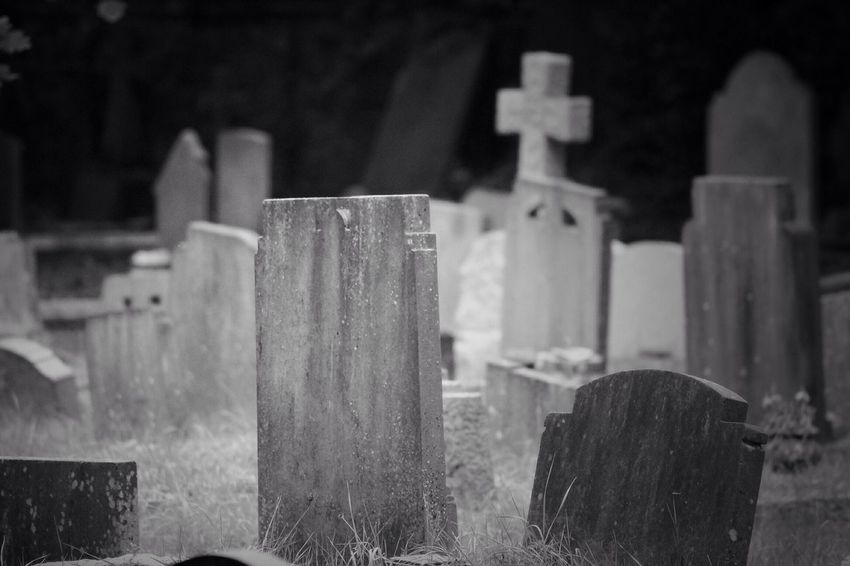 No Property No People Cemetery Tombstone Gravestone Graveyard South West London Canonphotography Burial Ground Churchyard Graveyard Beauty Creative Photography Black & White Canon Grave Focus On Foreground