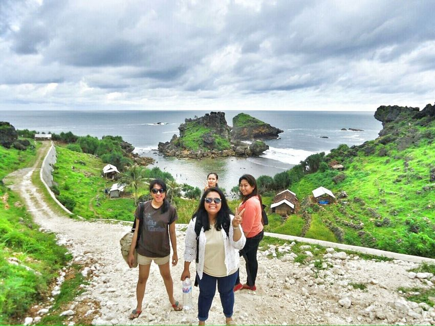 Stay young Visitindonesia Explorejogja Explorewonosari Beachphotography Holiday Nglambor Travelling Janganpanikmaripiknik Janganiri