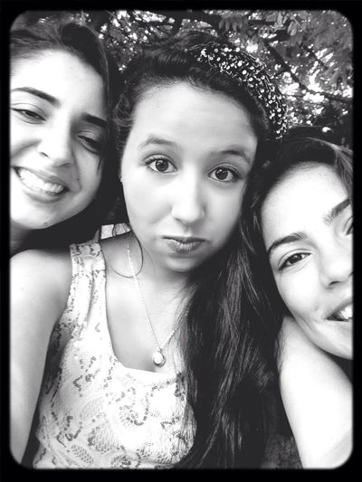 Friends Girls Enjoying Life ❤️