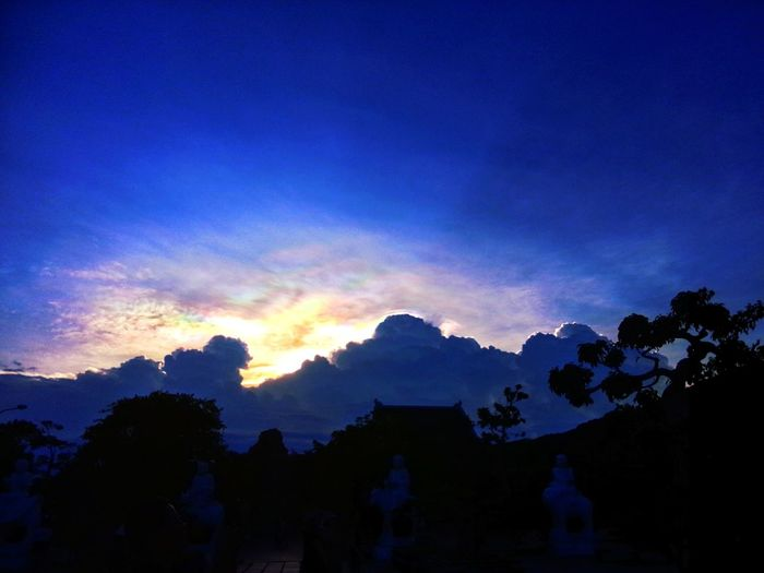 Sun Sunset Beauty In Nature Sky Blue Mountain Cloud - Sky Beauty Nature Seascape Beauty In Nature Draw In The Sky Da Nang From High My Best Photo 2016😊