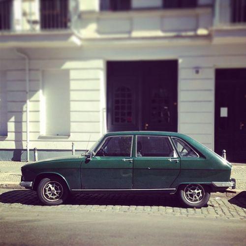 Karré Karre Oldtimer Soloparking Classiccar Renault Vintagecar Altekarrenbattle