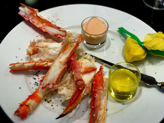 Food And Drink Plate Ready-to-eat Snowcrabs SnowCrabLegs Yummy Kadewe