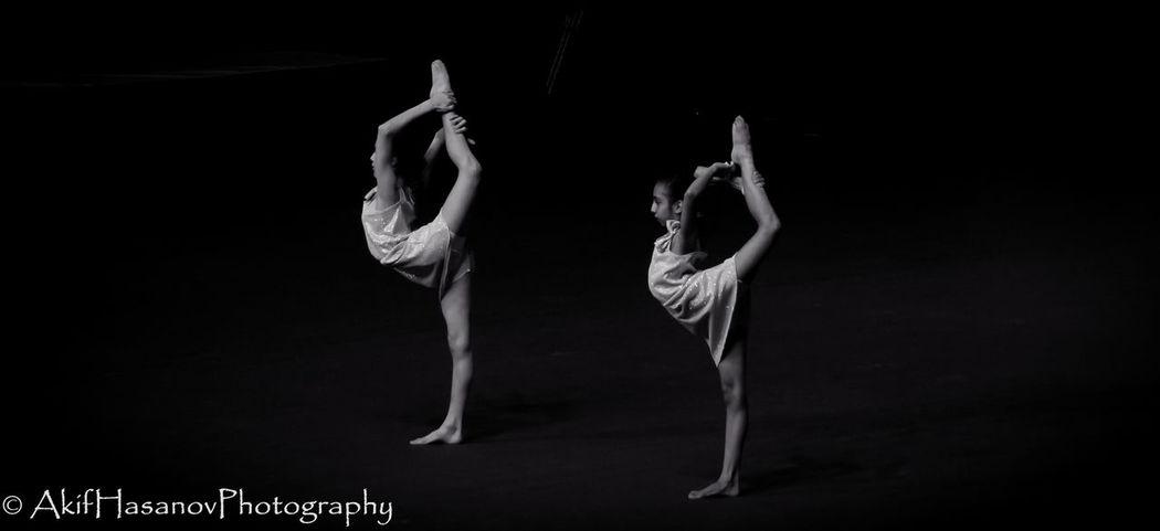 Acrobat Balance Coordination Elégance Flexibility Grace Performance Young Adult Baku Azerbaijan