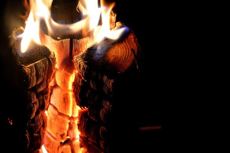 Fire Burning Wood Pyromantic Pure Happiness