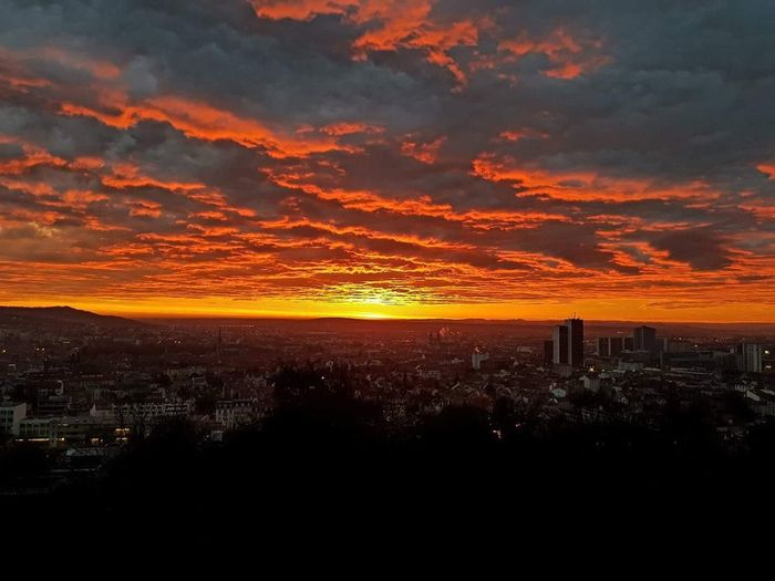 Horizon 🌞🔥 Sunrise Sunrise_Collection Orange Color Built Structure Architecture Building Exterior Cloud - Sky Outdoors Beauty In Nature Sky Nature Cityscape City Clouds And Sky Sunlight Morning Morning Light Landscape
