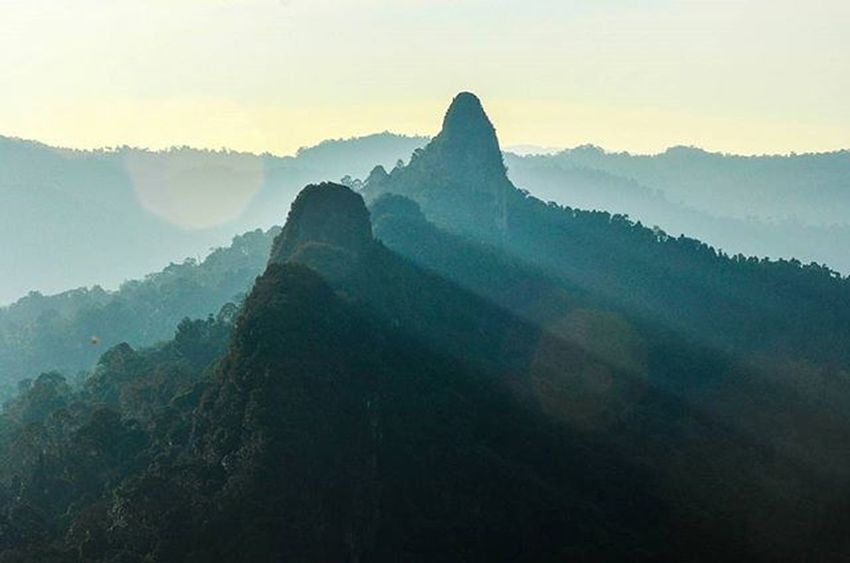 from view Tabur Mountain West while looking Tabur Mountain East natural beauty Vscocam VSCO Vscomalaysia Amalaysianphoto Mshjournal Photojournalism Landscape Lifeasphotographer Bukittaburwest