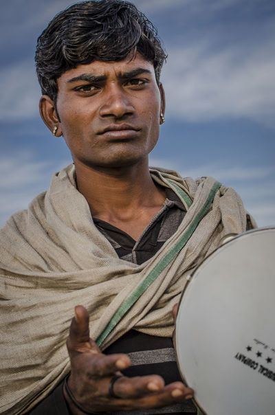 Dying art of local musicians Blue Sky Insturuments Musician Only Men People Portrait Rajasthan Rajasthandiaries Rajasthani Rajasthani Culture Rajasthanipeople Rajasthanistyle Red Snake Charmer Turban