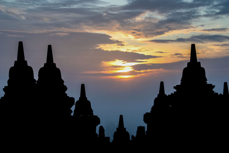 sunrise about temple borobrodur (Indonesia) Amazing ASIA Borobudur Borobudur Temple Buddha Buddhism Buddhist Temple Check This Out EyeEm Best Shots Hello World Hi! INDONESIA Indonesia_allshots Indonesia_photography Morning Morning Light Relaxing Religion Sunrise Sunrise Silhouette Sunrise_Collection Sunrise_sunsets_aroundworld Taking Photos Temple The Great Outdoors - 2016 EyeEm Awards