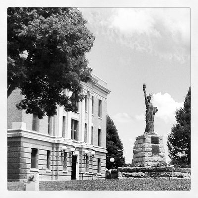 Black And White Statue Roadtrip Trip Liberty Yolo Monochrome Photooftheday Picoftheday Shotoftheday Monoart Traveler Streetshot Nebraska Statueofliberty PhotoShare Bnwoftheday Noire Bnwalma Streetalma Bnw_stingray Shotonthefly Bnw_power FallsCity Nocolorneeded
