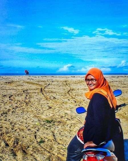 Edisi sayang dibuang Fun Beutiful  Ujunggenteng Chasinglights Greatview Love Sunshine Nature Natural Indonesian Panorama Landscape Explore Exploreindonesia Beach Huntingphoto Art Clouds Photograph Latepost Streetphotography Jalanjalan Niceview Sky Sukabumi great photooftheday bestoftheday bestwork