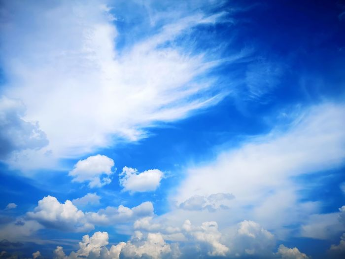 Clouds Blue Beauty Backgrounds Cloudscape Bright Sky Cloud - Sky Sky Only Cumulus Fluffy