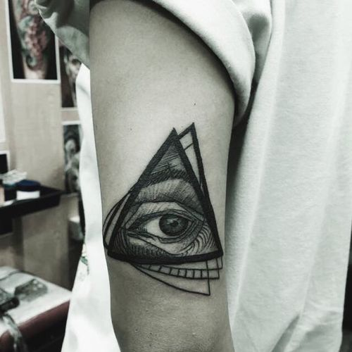 Eye Tattoo Triangle Shape Triangles ▲ Eye For Photography Tattoos Tattooedgirls Tattooed Tattoo Obsession Popular Photos White Background Light-Play Check This Out