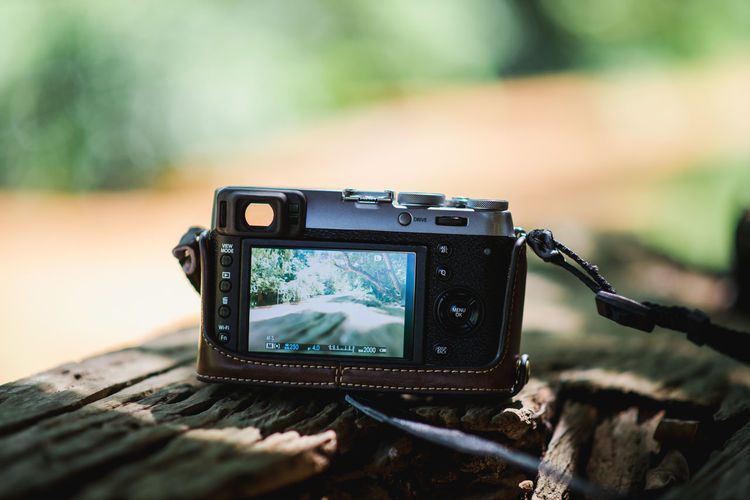 Camera Camera - Photographic Equipment Digital Camera Digital Viewfinder Focus On Foreground Nature No People Photographic Equipment Screen Technology