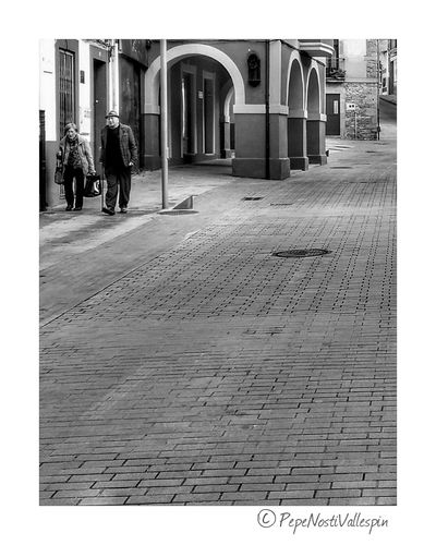 Streetphotography Black And White Poladesiero Blackandwhite Blackandwhite Photography Blancoynegro Black And White Photography Pola De Siero Blackandwhitephotography Outdoor Photography Black & White Streetphoto Real People