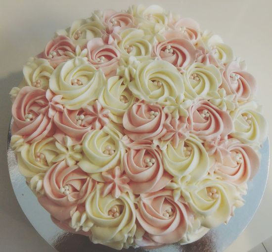 Roses Cake Made By Me!😙😙😙