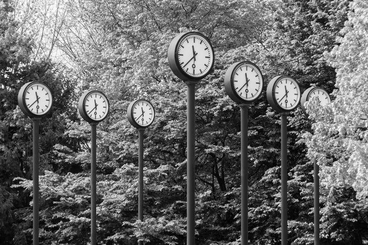 Düsseldorf, Germany Uhrzeit Winterzeit Sommerzeit Clock Close-up Design Düsseldorf Germany No People NRW Outdoors Time Uhr Instrument Of Time