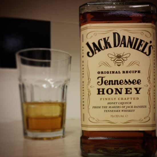 TFIF Friday Jackdaniels Honey