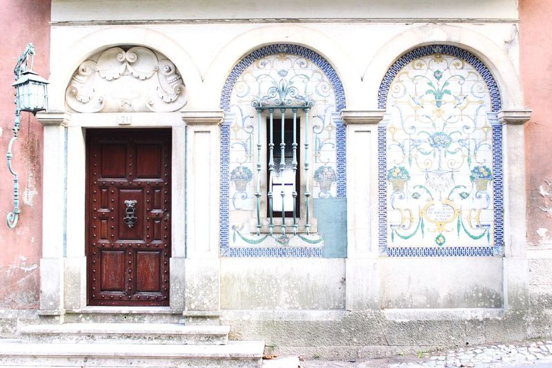 Lovely design in Portugal Lisboa Portugal Design Architecture Check This Out Exterior Design Buildings Vintage Vintagearchitecture Ceramic Incredible Lisbon Photography EyeEm Eyeem Market Art Is Everywhere