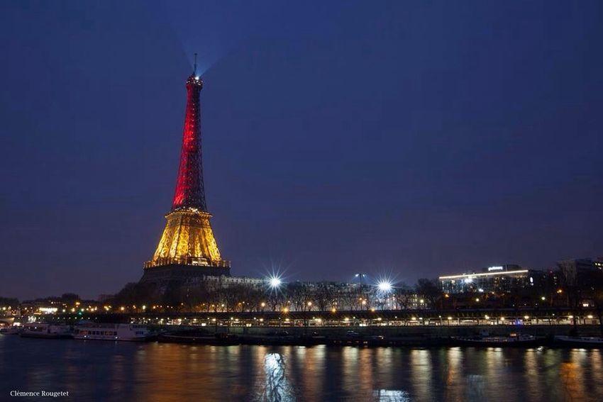 La Tour Eiffel depuis le Pont de Bir-Hakeim, Paris. Followme Long Exposure Pont De Bir-hakeim Streetphotography Eiffel Tower Tour Eiffel Paris Seine Street