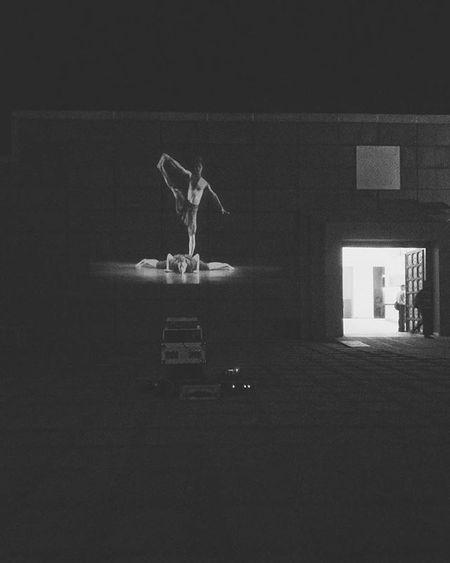 Wall projection. 😍Jkk Igersbnw Light Bwoftheday Frame Noiretblanc Noirlovers Bwbeauty Navras Blancinegre Monochrome Bw_lover Byn Blancoynegro Irox_bw Art Bw_society Nero Blackandwhite Ic_bw_bw Bwstyles_gf Bandw Beautiful Perfect Jkknavras noir bw mono bnw window