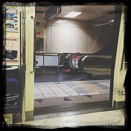 滿滿複雜的心情,隨著踏進這個門,警示聲的響起,我走進去了~走向我下一個目的地! First Eyeem Photo