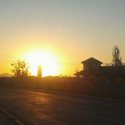 Me encantan las puestas de sol ??? Igual no salió tan mal la foto ???