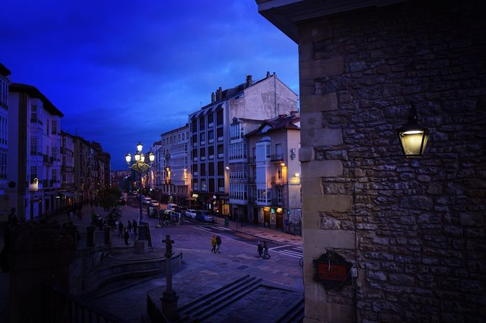 Cerca De Ti  Popular Photos Popular Euskadi Vitoria / Gasteiz Hello World Photography EyeEm Best Shots Architecture Building Exterior Built Structure Night Illuminated Street Light City