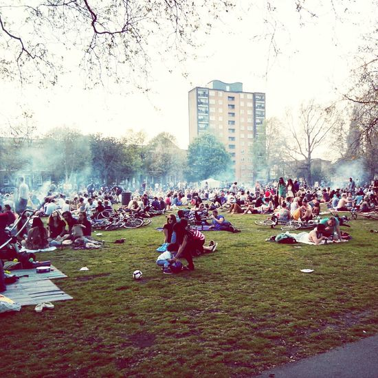 Bank Holiday Monday. London Fields of BBQ smoke and smell. Spring seems to have landed finally.