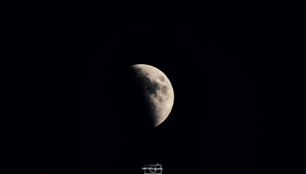 moon 🌙 Księżyc Niebo Apphoto Apphotography Ujdzie EyeEm Selects Astronomy Space Crescent Half Moon Moon Discovery Science Moon Surface Exploration Planetary Moon Galaxy Astrology