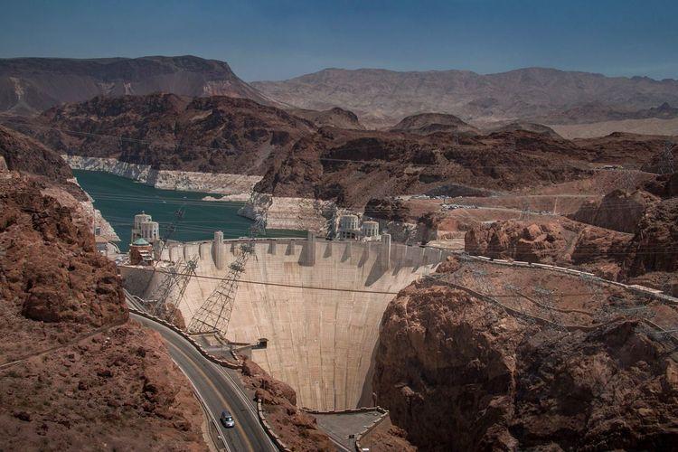 Hoover Dam Hooverdam Dam Hydroelectric Power Nevada US Classic Reservoir Las Vegas View From A Bridge