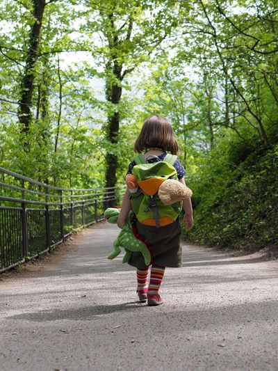 Walking down the Drachenfels (mountain) Full Length One Person Tree Plant Transportation Real People Lifestyles Casual Clothing Childhood The Way Forward Leisure Activity Child Road Day Females Nature Direction Women Rear View Green Color Outdoors Hairstyle Innocence Green Dragon Drachenfels Backpack Stuffed Toy Stuffed Animals Teddy Bear Walk Walking Downhill Shadow Sunday Spring Girl Girls 4-5 Years Spaziergang Spazierengehen Rheinland Grün Kind Mädchen Kindheit Ausflug  Daytrip Stofftiere Kuscheltiere