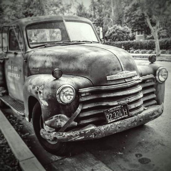 Paloalto An Oldtimer Chevrolet In The Street