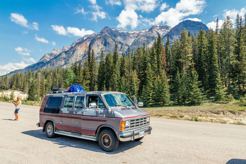 Cruising trough Alberta – Icefield Parkway🌲🌳🚐 Alberta Blue Car Cloud - Sky Dodge Forest Green Icefieldsparkway Jasper Landscape Liveauthentic Livefolk Mountain National Park Nature Outdoors People Rockies Scenics Sky Travel Tree Van Vscocam Vscofilm