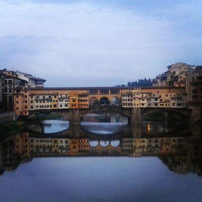 Firenze Arno  Ponte Pontevcchio domenicaspecchiomeravigliaamore