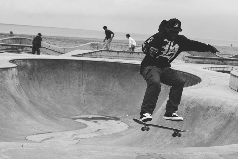 Venice Beach Skate Park LA Santa Monica Eye4photography  EyeEm Best Shots Capture The Moment Los Ángeles Skater Skateboarding Venice Beach Blackandwhite