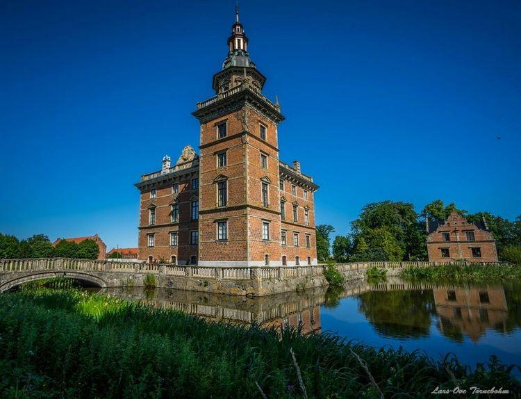 Marsvinsholms Castle in southern part of Sweden. Tornephoto Castle Slott Skåne