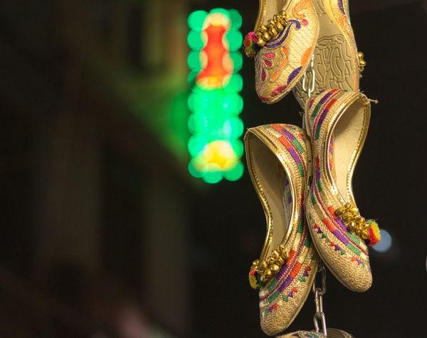 Punjabi jutti, in Amritsar market. Footwears Close-up Focus On Foreground Bokeh Slippers Desi Punjabi Cultures Punjab Amritsar Finding New Frontiers Handmade Shoes Lieblingsteil