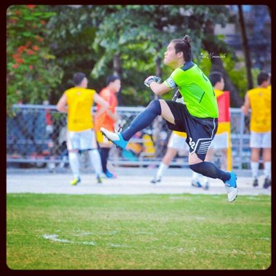 Walkin' on air Ateneofootball goalkeeper Yu Murayama @yumurayama Uaap75 Ateneo Yumurayama football mensfootball varsity airwalk themanansala photography instapic instagram instaplace instagraphy manila milan newyork paris london ireland brazil wales