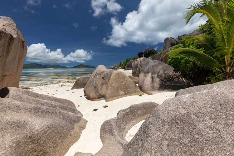 Beach anse source d'argent on seychelles island la digue white sand and granite rocks