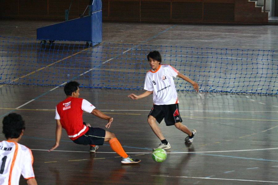 Peack action or climax Adult Basketball - Sport Basketball Player Competition Competitive Sport Court Day Indoors  Leisure Activity Men People Playing Real People Sport Sports Team Sports Uniform Togetherness