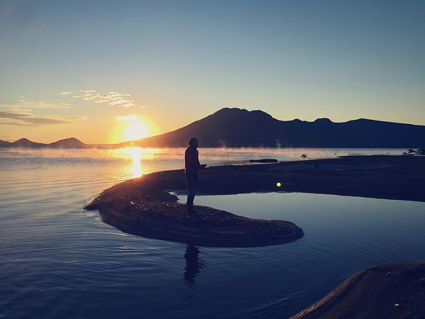 Learn & Shoot: Single Light Source Camping Hokkaido EyeEm Best Shots - Sunsets + Sunrise Natural Beauty Silhouette Shikotsu Lake Mist Enjoying The Sun Japan