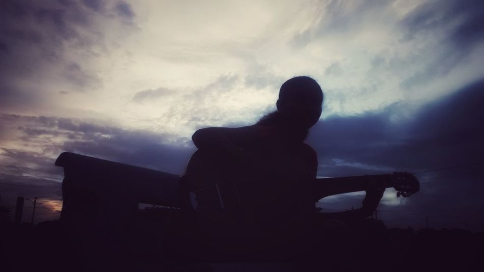 Silhouette One Man Only One Person Only Men Men Adult Adults Only People Outdoors Sky Day Violão Céus E Nuvens Nature EyeEmNewHere EyeEmNewHere