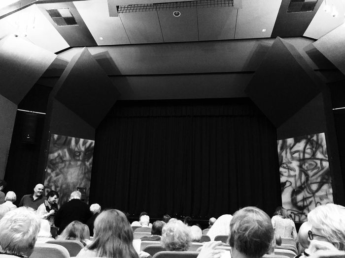 Theater 🎭
