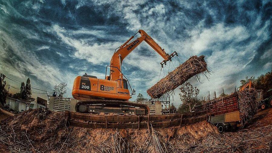 Strong Sugarcane Cranestation Udonthani Thai Thailand 9tom Olympus OM-D E-M5 Mk.II Omdem5ii M4/3  Backhoe Loader