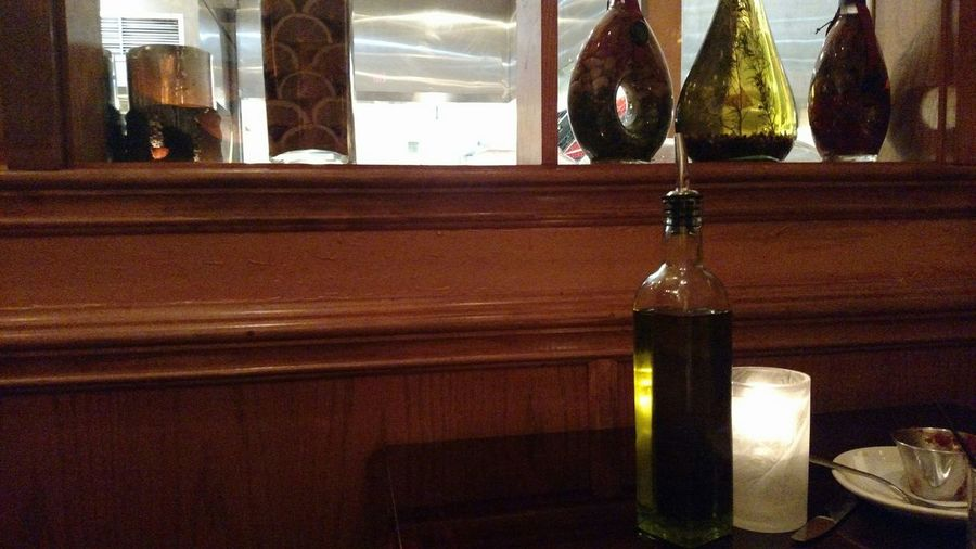 Trevia Canlarım Dinner Table Italian Restaurant Oi Old-fashioned Olive Oil Takeing Pictures On My Tablet Lol Love My Pink Tablet