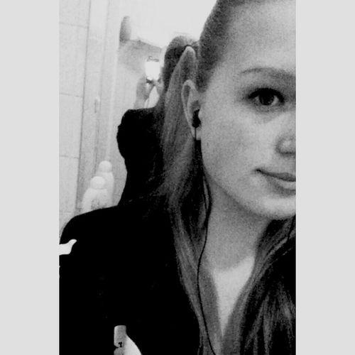 Just Me Selfie ♥ Mirror