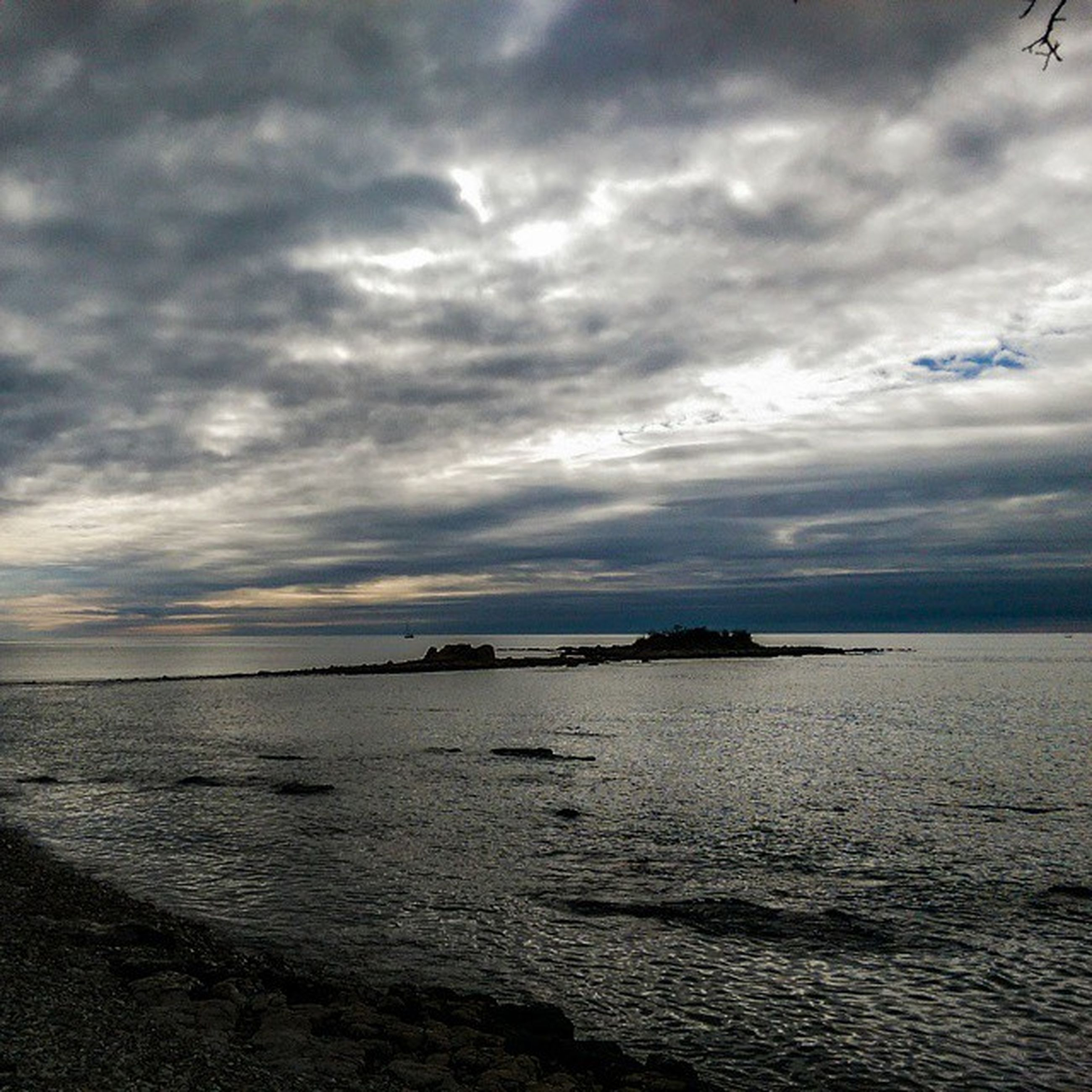 sea, water, sky, cloud - sky, cloudy, tranquil scene, scenics, horizon over water, tranquility, beauty in nature, sunset, nature, weather, cloud, beach, overcast, idyllic, shore, dramatic sky, dusk